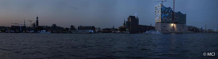 2014-08-01-Hamburg-BluePort-083 Panorama-III