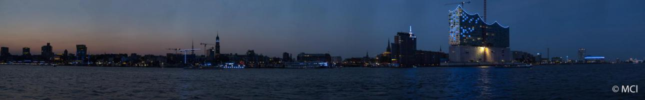2014-08-01-Hamburg-BluePort-093 Panorama-2